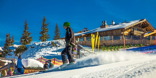 Comment organiser des vacances au ski à moindre frais grâce à Internet ?
