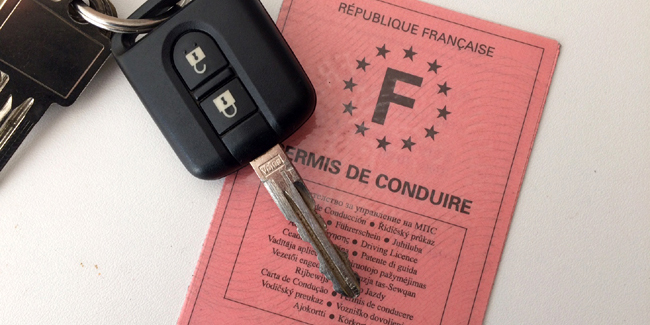 Quelles solutions pour payer son permis de conduire le moins cher possible ?